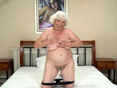 Busty gilf spunked over