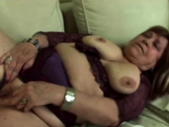 Red-hot gilf gets her cunt  deeply