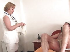 Mature nurse takes genital temperature and fucks her patient