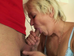 Old cleaning dame gets her coochie filled with 2 cocks