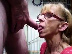 Mature Girl Sucking Pecker