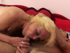 Old grannie gets picked up and fucked