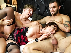 Crazy Old Hoe Gets Her Crevices Stuffed by Two Weenies
