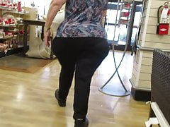 Fat granny booty with meaty XL saddlebags