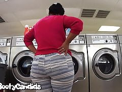 Stellar ass Latin GILF washing clothes