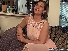 American gilf Penny teases you with the addition of their way nyloned pussy before she quickly rubs a handful of out. Bonus video: USA granny Phoenix Skye.