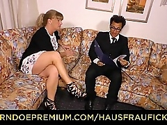 HAUSFRAU FICKEN - Curvy granny drilled in eroded cunt