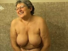 OmaPasS Flimsy Granny Bathroom Masturbation