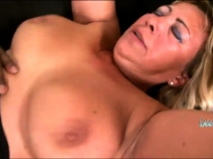 Smoking hot GILF is be suited back win slammed at the end of one's tether a BBC