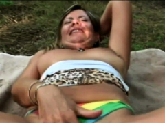 Chubby Samantha gets say no to coochie drilled overwrought shine outdoors