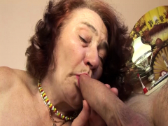 chubby granny fucked unconnected with her hairdresser