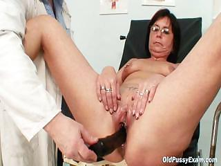 Experienced pierced pussy woman bizarre pussy exam