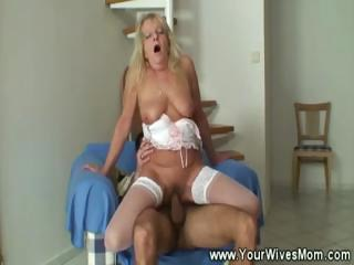 Young caitiff public schoolmate loves old mature pussy