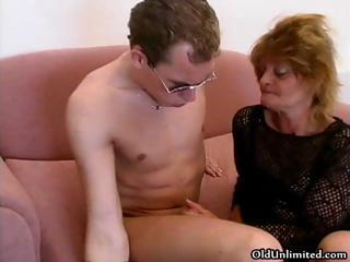 Sex-crazed grown up dam loves sucking some part1