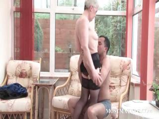 Grown up floosie gets pussy teased greater than a preside