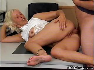Lickerish grandma gets a difficulty rebuff drenched pussy fucked part6