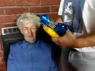 Flimsy Granny loves dildos