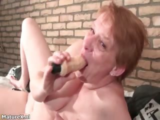 Meaningless full-grown woman sucking huge dildo part3