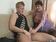 Old mom enjoys riding hard shaft