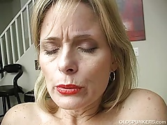 Supah sexy older lady is so nasty she has to masturbate