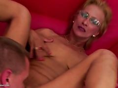 Mature mommy gets super-hot surprise into vag from her boy