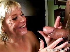 Super sexy old spunker gives an amazing dirty blowjob