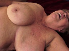 Chubby mature pounded on the bed