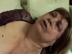 Blonde granny dt younger phat dong fucking