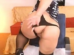 Urinate Cam Amateur webcam grandma drink piss