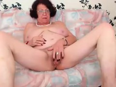Sandy-haired Granny Liking Herself on WebCam