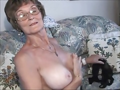 highly very nice older lady.wmv