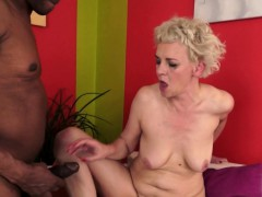 Hairy amateur granny gets inserted by bbc