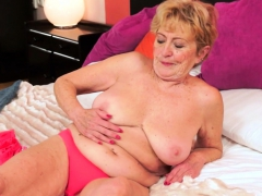 Saggy grannie gets hairy pussy fucked deeply