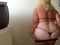 BBW granny dance on webcam